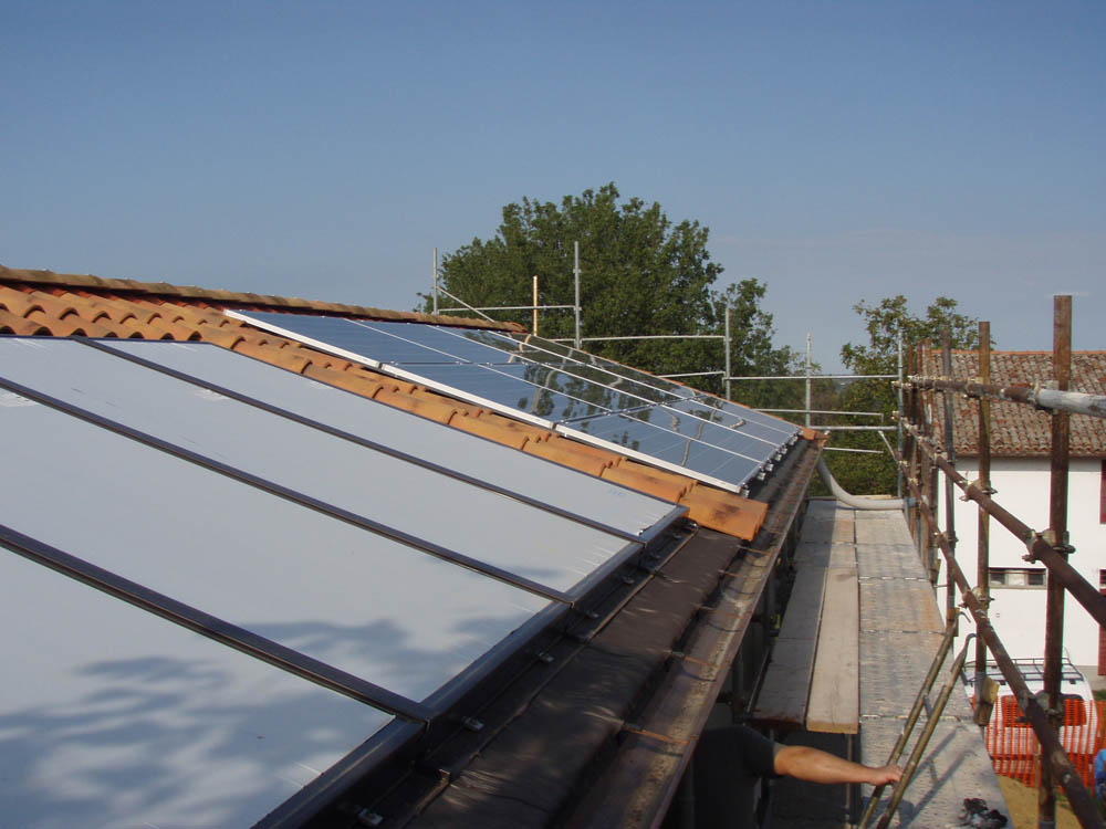 Stelux blog archive impiando fotovoltaico su casa in legno - Casa in legno su lastrico solare ...